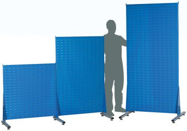 Free standing louvred panels